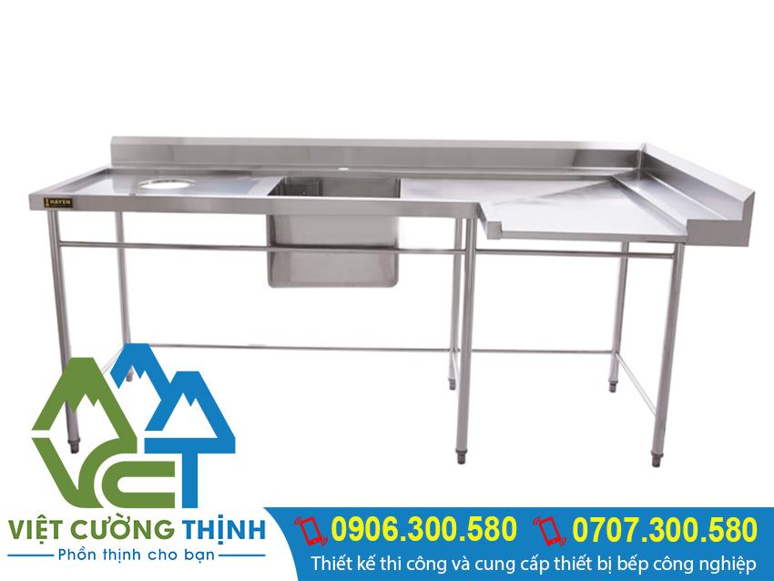 bàn inox, bàn bếp inox, bàn inox có bát bẩn với chất liệu inox cao cấp. Độ bền tuổi thọ cao, thiết kế gọn nhẹ.