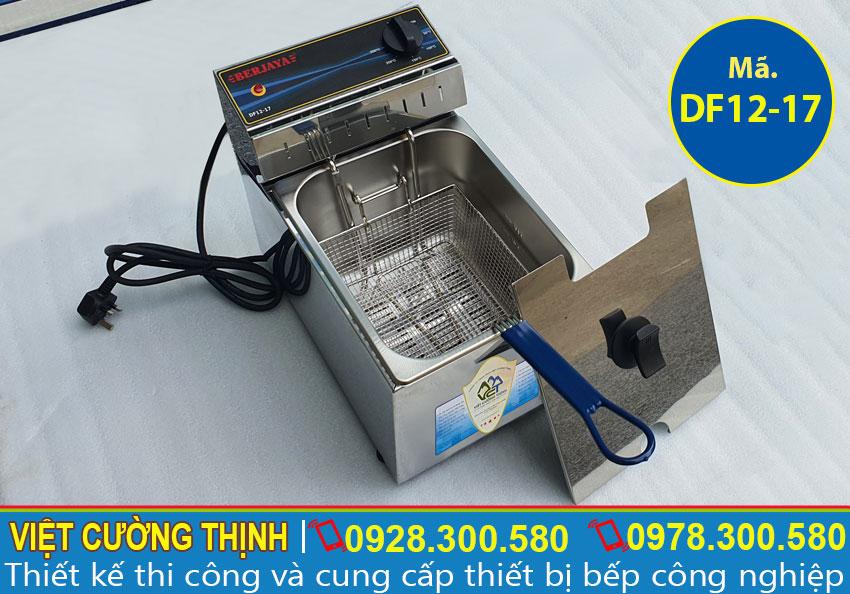Bếp chiên bằng điện sản xuất bằng inox 304, có độ bền, chịu nhiệt tốt.