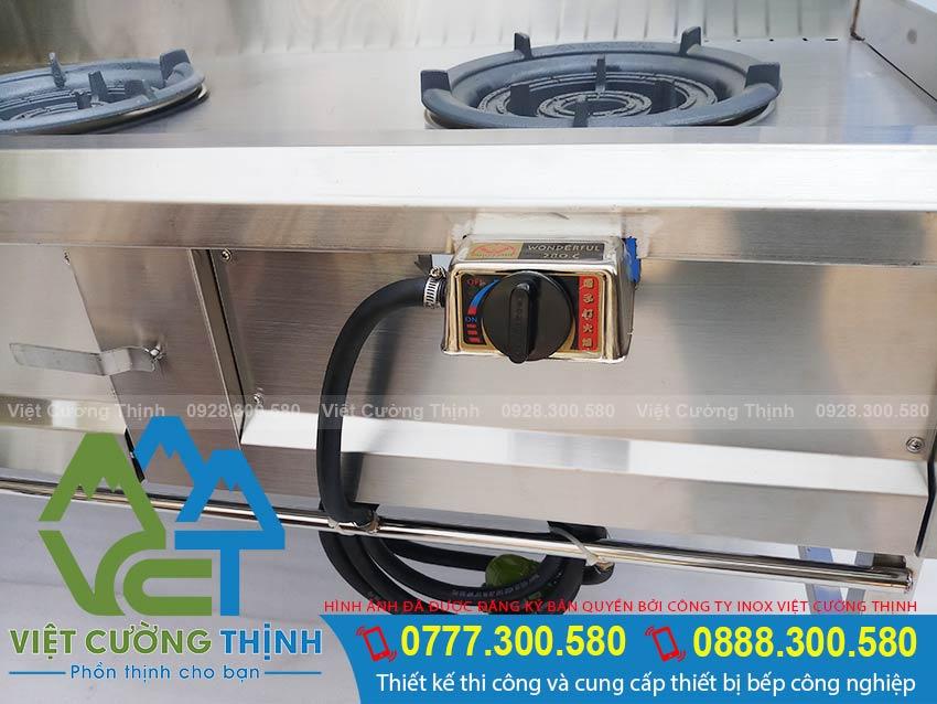 Bếp á 3 họng kiềng tô thấp áp sử dụng bếp 6A. với hệ thống đánh lửa tự động Magentor.