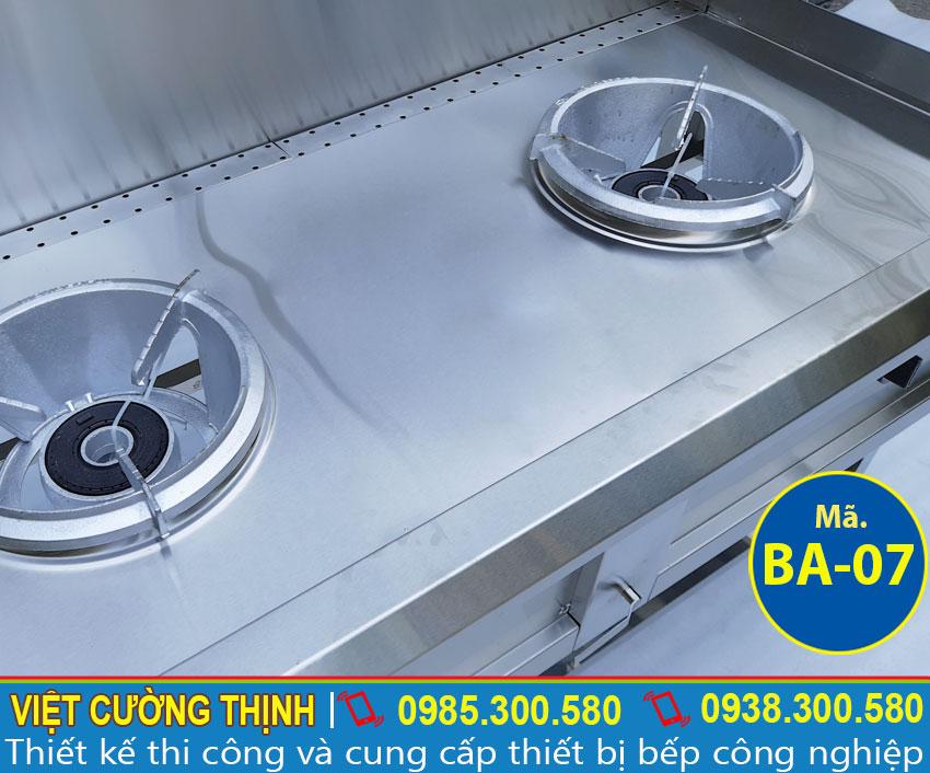 Bếp hầm thiết kế theo kiểu dáng công nghiệp đa năng và tiện dụng.