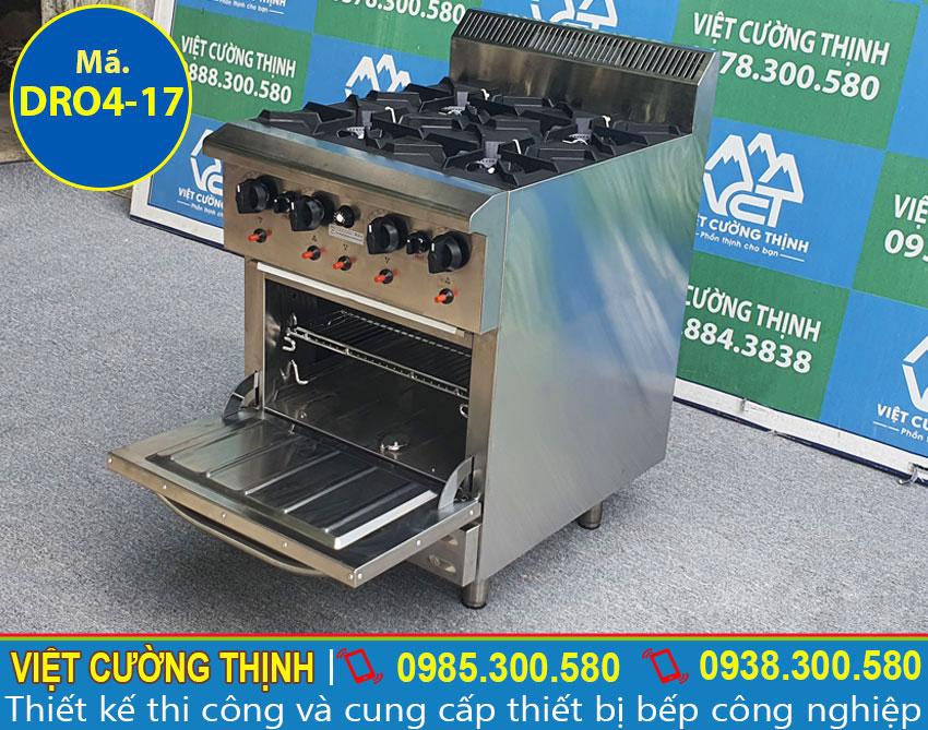 Bếp âu công nghiệp, bếp gas 4 họng thiết kế sang trong và hiện đại.