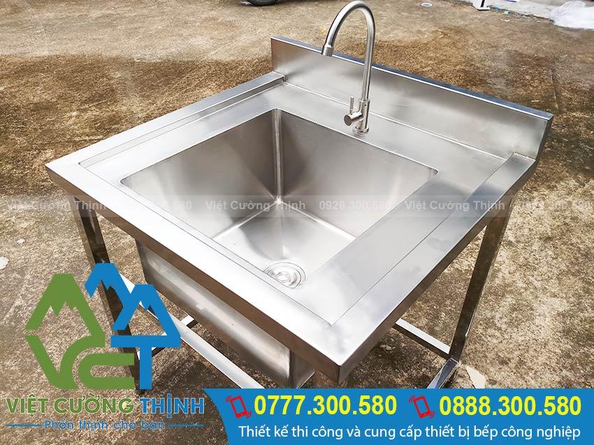 Bồn rửa chén đơn inox, thiết bị bếp inox công nghiệp cao cấp sang trọng.
