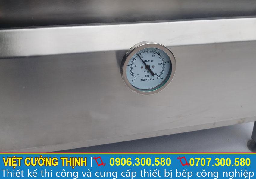Đồng hồ báo nhiệt độ Tủ nấu cơm công nghiệp 30 kg bằng điện và gas sản xuất Inox Việt Cường Thịnh.