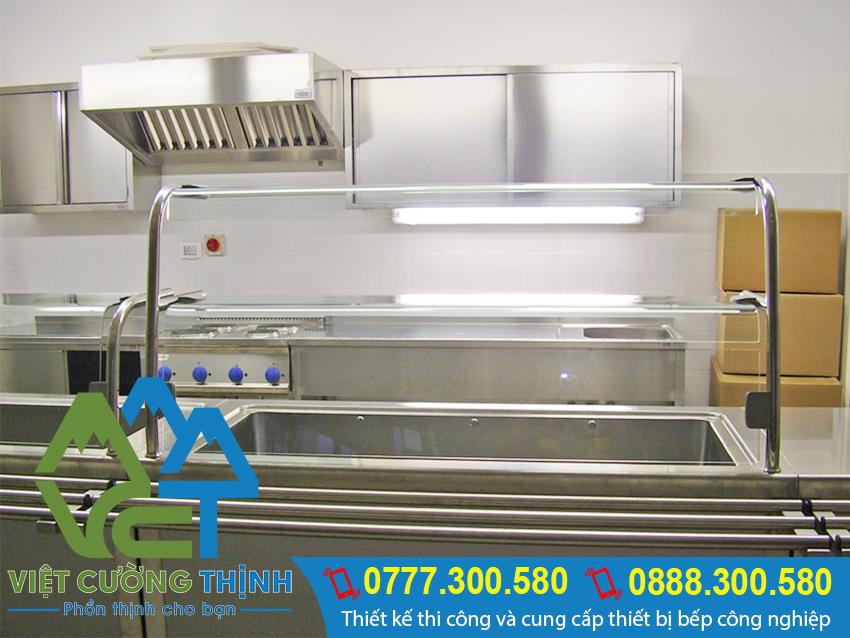 Tủ hâm nóng này được làm từ chất liệu inox 304 nên dễ dàng vệ sinh và lau chùi.