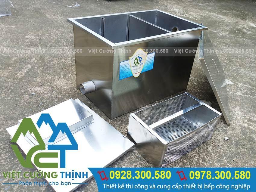 Cấu tạo bể tách dầu mỡ được làm bằng chất liệu inox 304 dày 1mm, với kết cấu 3 ngăn.