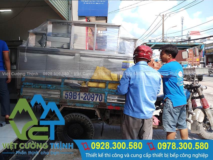 Hình ảnh giao hàng Quầy inox tại Việt Cường Thịnh