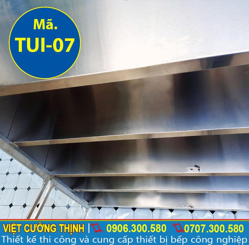 Ngăn tủ bếp inox, tủ đựng chén bát inox cao cấp, có độ bền cao và sang trọng.