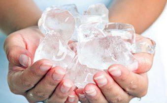Cách giữ nước đá lâu tan hơn