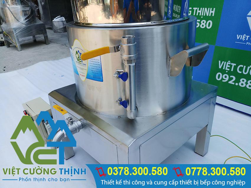 Nồi hấp bánh bao bằng điện, nồi điện hấp bánh bao, nồi hấp bánh bao sử dụng điện của Việt Cường Thịnh. Được sản xuất từ chất liệu inox 304 cao cấp, bền đẹp.