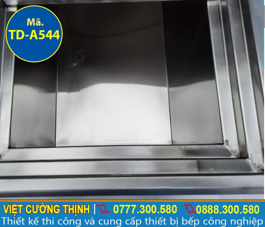 Cấu tạo bên trong thùng đá inox, thiết bị giữ lạnh inox đa năng, tiện lợi và tiết kiệm chi phí cho người dùng.