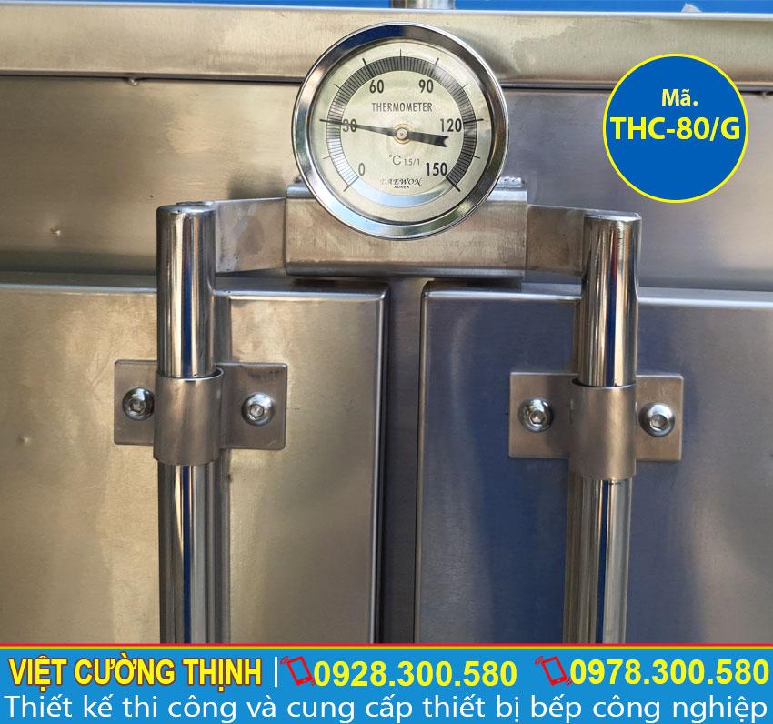 Đồng hồ đo nhiệt độ tích hợp trong tủ nấu cơm công nghiệp 80 kg bằng gas.