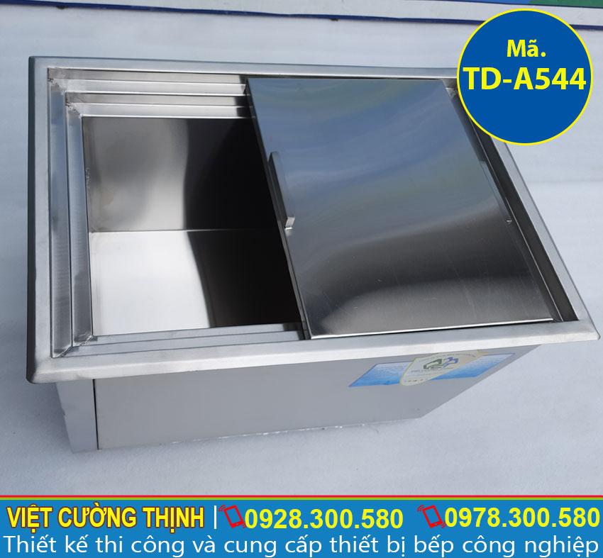 Cấu tạo bên ngoài thùng đá inox âm bàn cao cấp sản xuất inox 304, có độ bền cao.