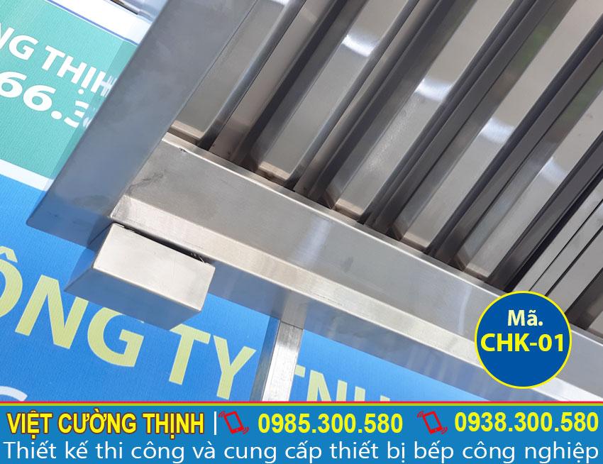 Hộp lọc dầu mỡ tích hợp trong chụp hút khói gia đình, chụp hút khói nhà hàng sản xuất Inox Việt Cường Thịnh.