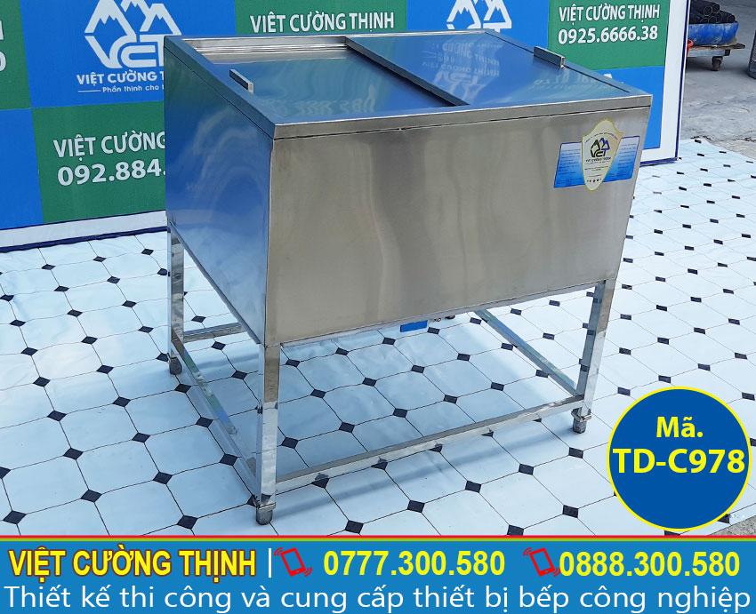 Thùng đá có khung chân TD-978 sản xuất inox 304 cao cấp, có độ bền cao và giữ nhiệt tốt.
