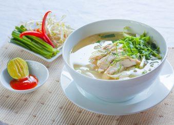 Bí quyết nấu phở gà thơm ngon đúng vị ăn là ghiền bằng nồi điện nấu phở.