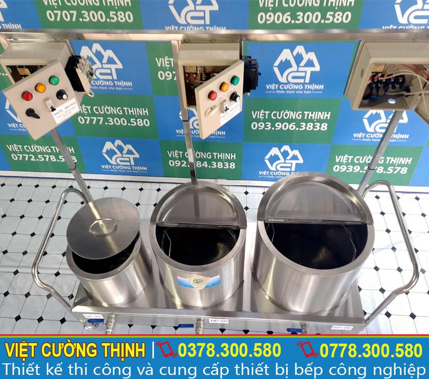 Bộ nồi nấu phở điện được làm bằng inox 304 nên có khả năng chống oxy hóa, độ bền cao, thời gian sử dụng được lâu dài.