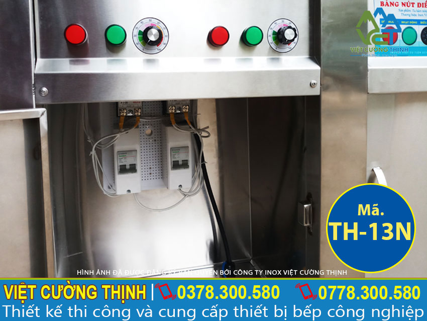 Hộp điều khiển của tủ giữ nóng thức ăn, tủ hâm nóng thức ăn an toàn và dễ dàng sử dụng.