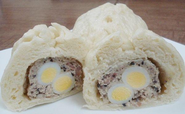Món bánh bao nhan thịt trứng cút, nấm mộc nhĩ đã hoàn thành.