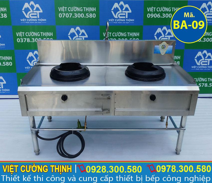 Bếp Á Công Nghiệp sản xuất bằng inox 304 có độ bền cao, chịu nhiệt tốt và không bị oxi hoá.