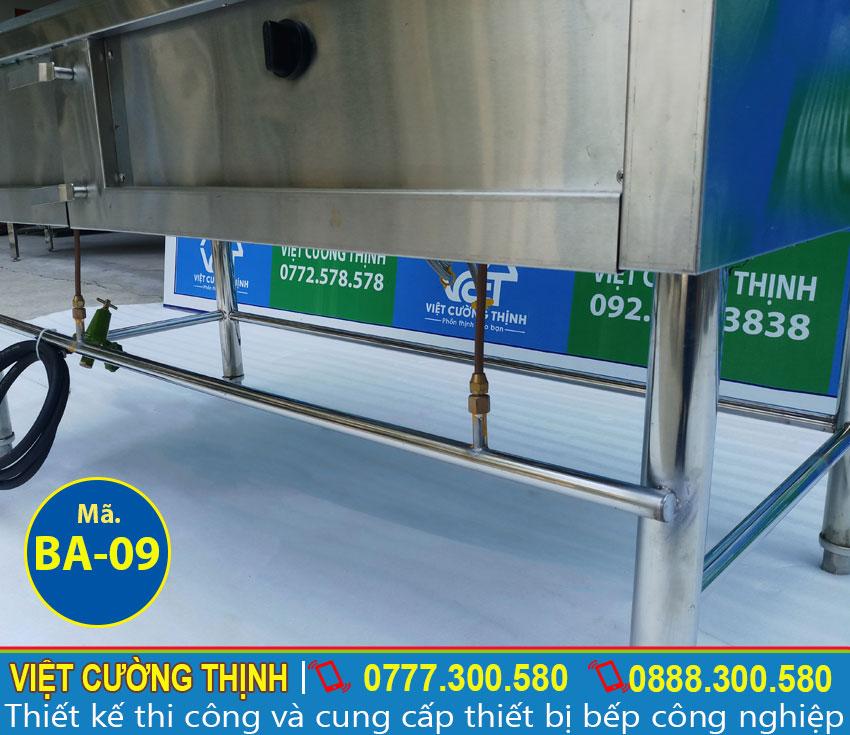 Bếp inox dễ dàng vệ sinh sau khi sử dụng. Với chất liệu inox 304 thì thực phẩm không có khả năng bám dính