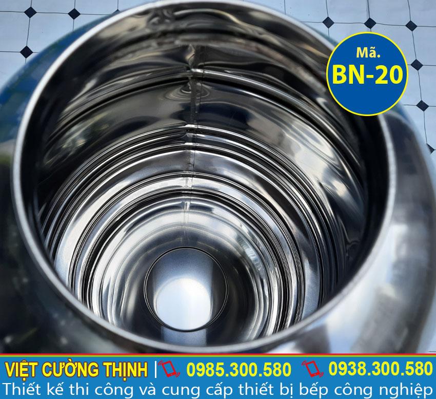 Bình nước thiết kế inox 304 cao cấp , sáng bóng và an toàn.