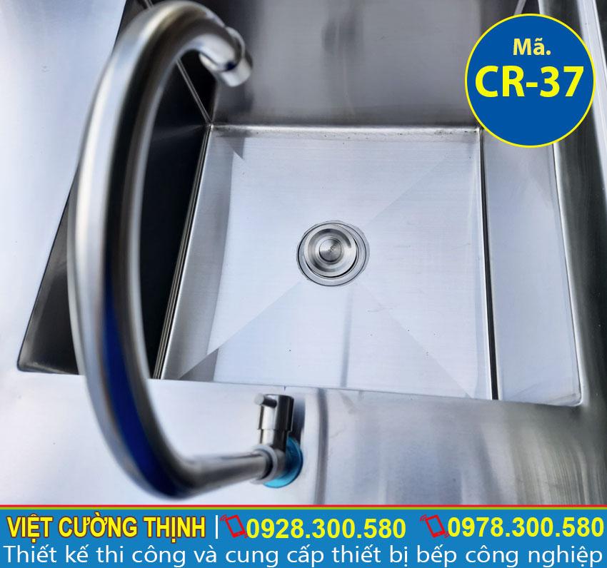 Bộ phận xả nước nằm bên trong bồn rửa