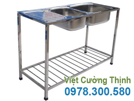 Chậu rửa đôi inox, bồn rửa 2 hộc gia đình có khung chân sản xuất inox 304 cao cấp, có độ bền cao, chịu nhiệt tốt.