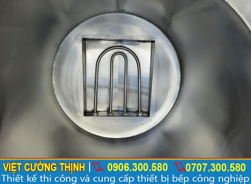 Thanh nhiệt được thiết kế bên trong nồi phở giúp tạo nhiệt và tải nhiệt nhanh hơn.