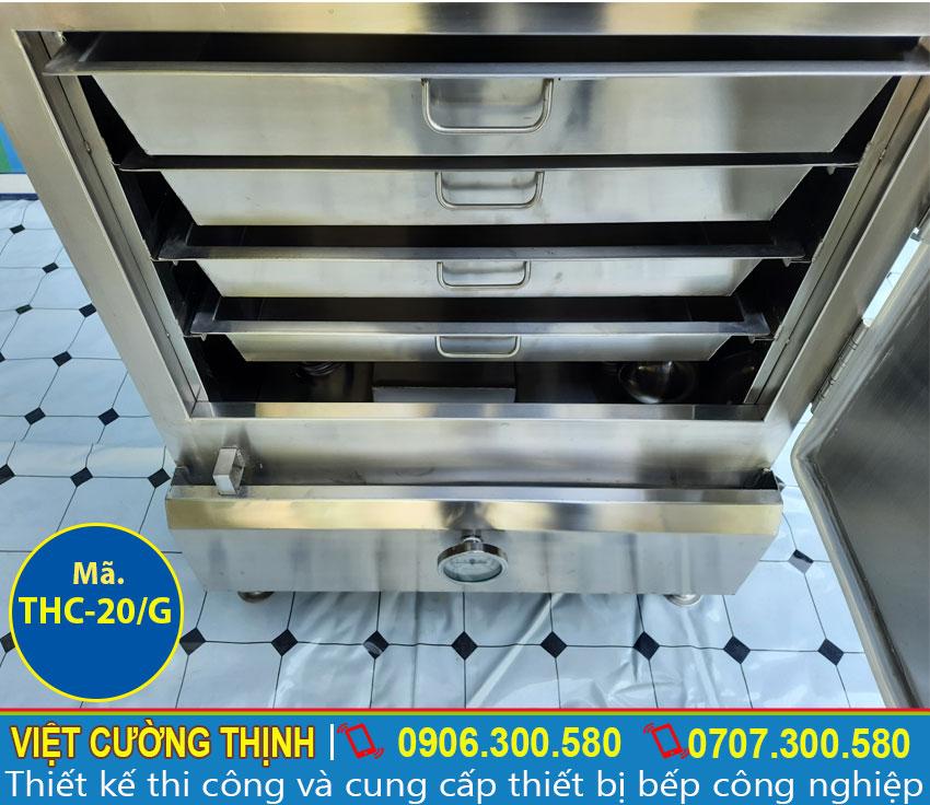 Khay đựng cơm trong tủ nấu cơm 20 kg công nghiệp bằng gas   Tủ hấp cơm 20 kg công nghiệp bằng gas.