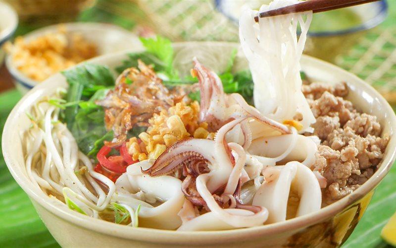 Cách nấu hủ tiếu mực thơm ngon bổ dưỡng