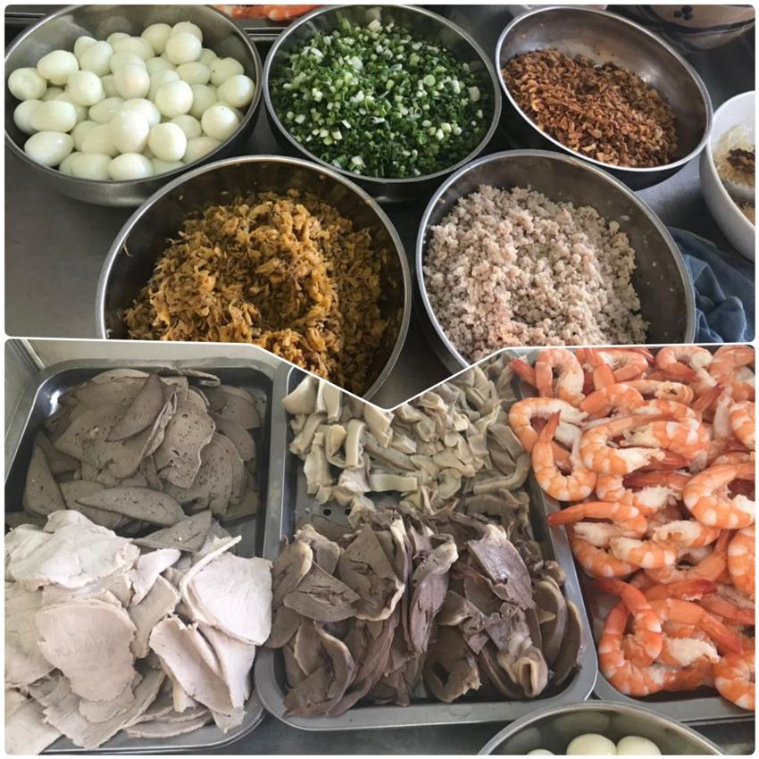 Nguyên liệu chuẩn bị nấu hủ tiếu Nam Vang trứ danh