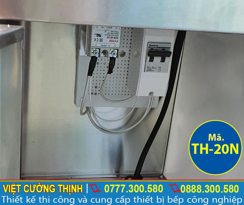 Tủ hâm nóng thức ăn với hệ thống cài đặt nhiệt độ tự động, chế độ chống điện giật, ngắt mở nguồn điện an toàn tuyệt đối bằng CB.